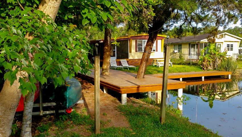 850 x 480 bungalow-dock-slider