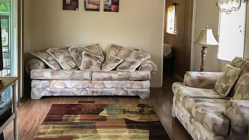 850-waverly-livingroom